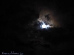 besando-a-la-luna
